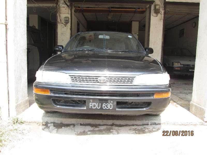 Toyota Corolla GLi 1.6 1998 Image-1