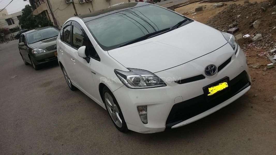Toyota Prius S Touring Selection 1.8 2013 Image-1