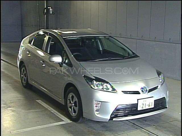 Toyota Prius 2014 Image-1