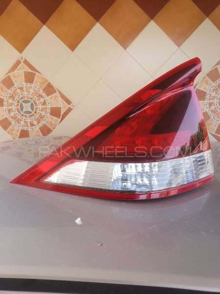 Honda INSIGHT Back Tail Light model 2011 and 2012 and 2013 Image-1