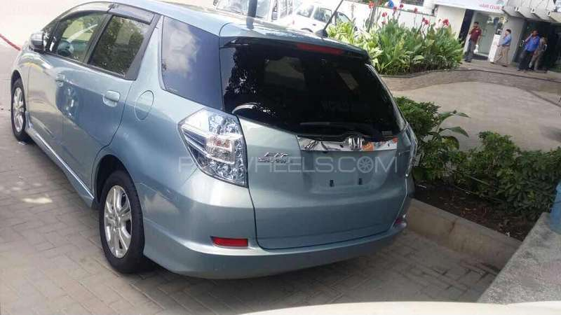 Honda Fit Hybrid 2013 Image-4