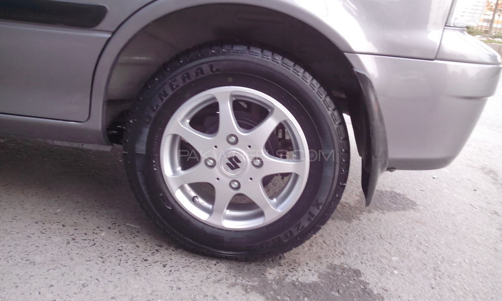 New and used car tyres and alloy rims Image-1