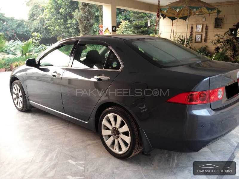 Honda Accord CL7 2002 Image-2