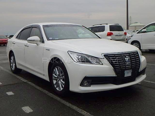 Toyota Crown Royal Saloon 2013 Image-1