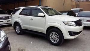 Slide_toyota-fortuner-2014-13048173