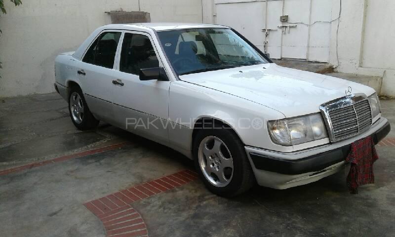Mercedes Benz E Series 1992 Image-1