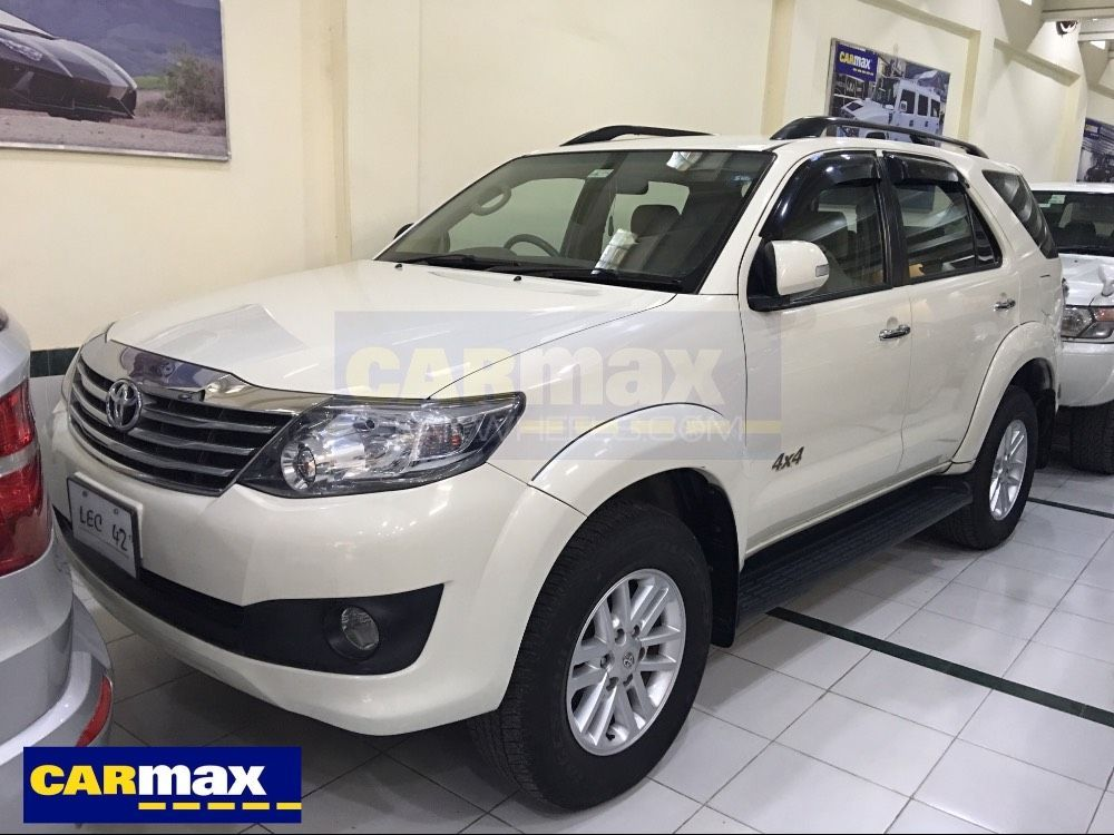 toyota fortuner 2 7 vvti 2013 for sale in lahore pakwheels. Black Bedroom Furniture Sets. Home Design Ideas