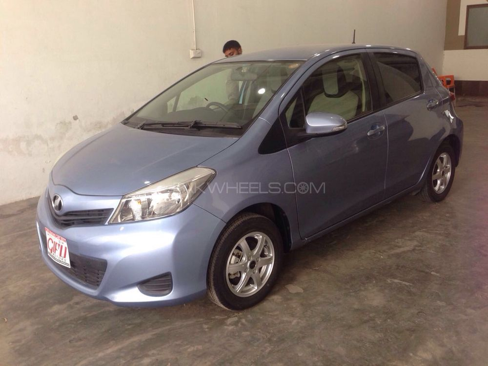 Toyota Vitz F Limited 1.3 2013 Image-1