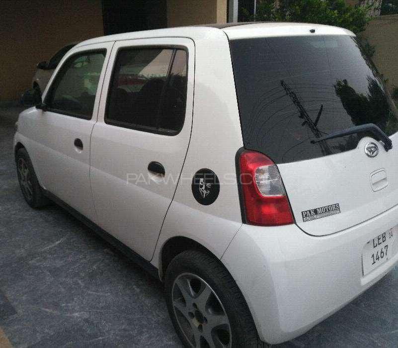 Daihatsu Esse Custom 2010 Image-1