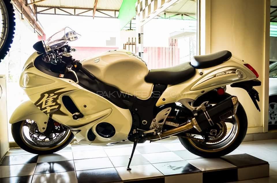 Suzuki Hayabusa 2011 Image-1