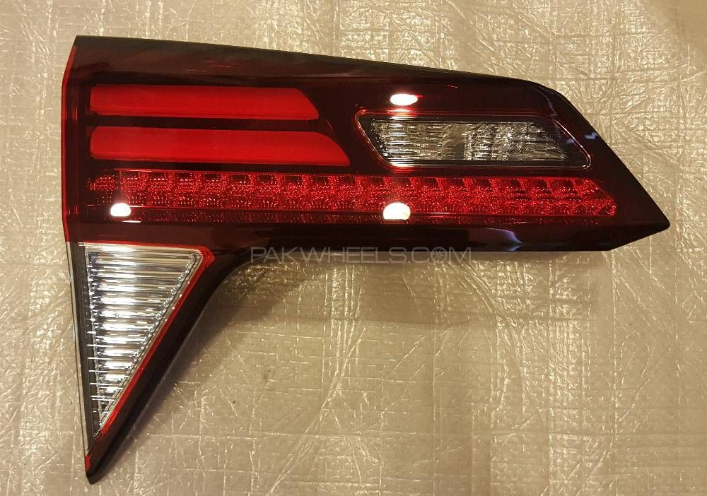Back Light - Honda Vezel  (Inner Side) NEW Image-1