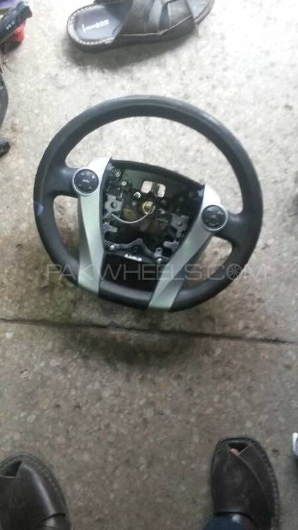 Toyota Aqua/prius, Multimedia Steering Wheels. Image-1