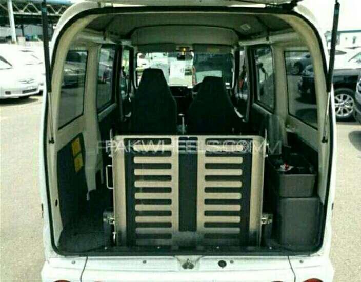 Mitsubishi Minicab Bravo 2011 Image-1