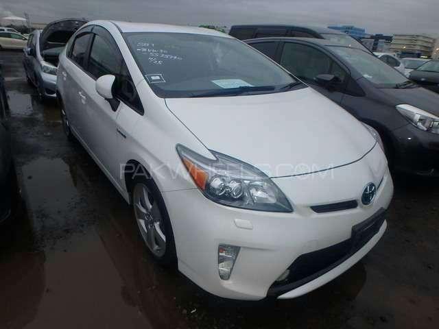 Toyota Prius G 1.8 2012 Image-1