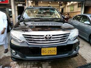 Toyota Fortuner 2.7 VVTi 2013 for Sale in Karachi