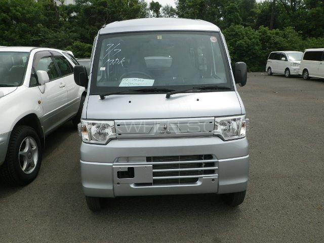 Mitsubishi I Mivec 2012 Image-1