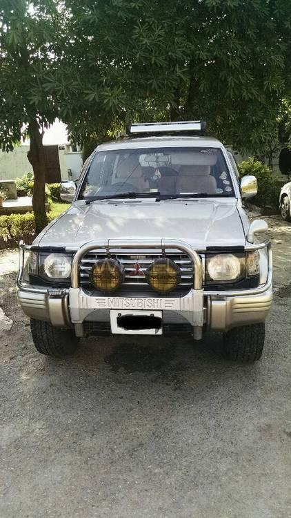 Mitsubishi Pajero Exceed 2.4 1993 Image-1