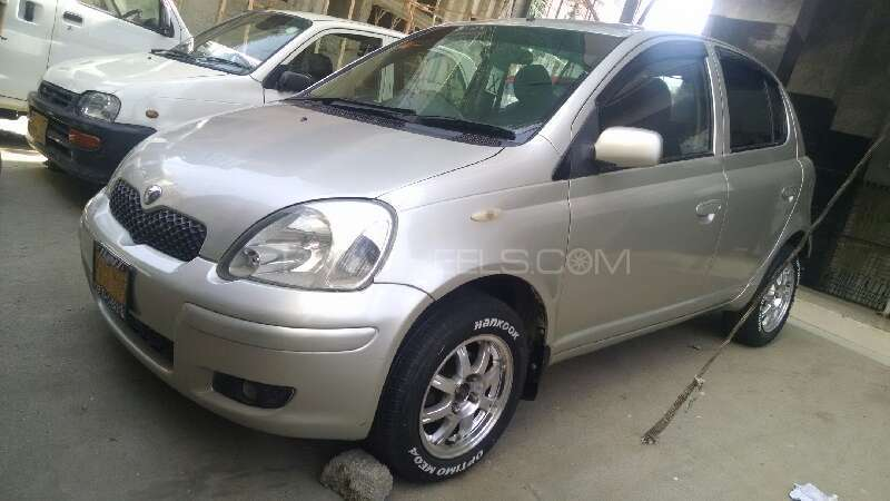 Toyota Vitz 2002 Image-1