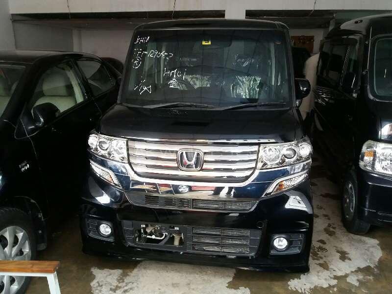 Honda N Box Custom G 2013 Image-1