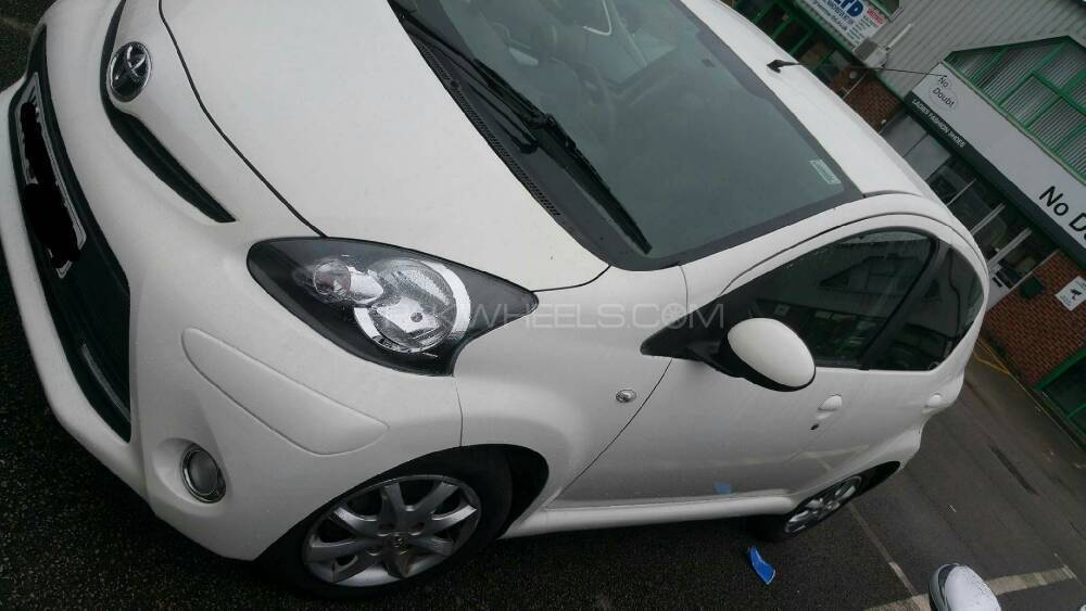Toyota Aygo 2013 Image-1