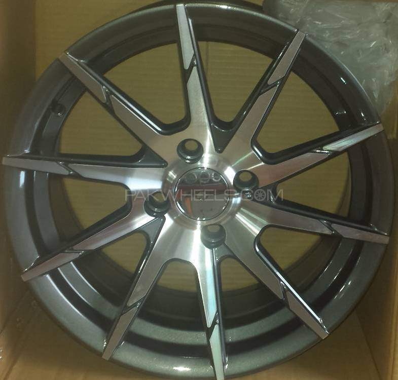 ALLOY RIM 15 INCH 4 NUTS Image-1