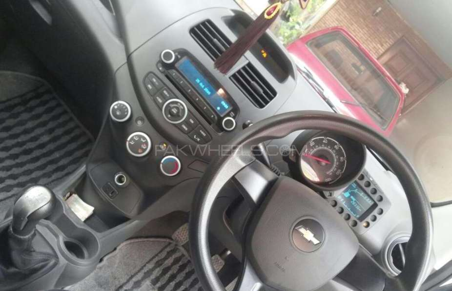 Chevrolet Spark 2013 Image-1