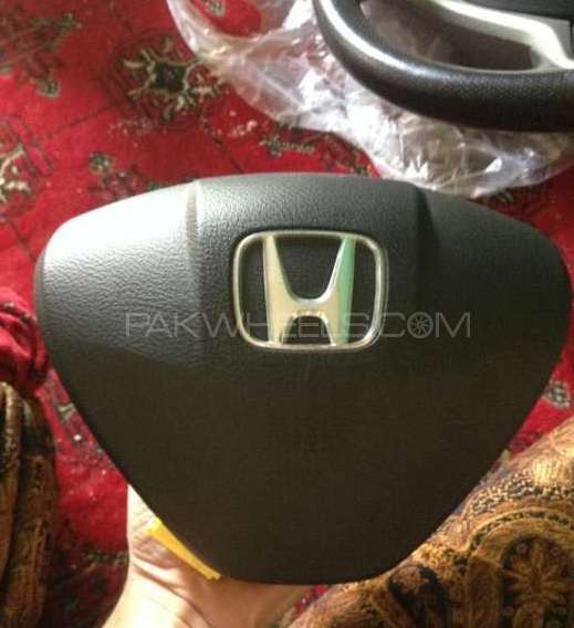 Genuine Honda airbag with neat monogram Image-1