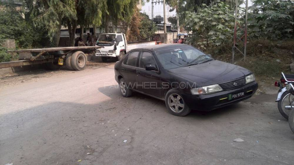 Nissan Sunny EX Saloon 1.6 (CNG) 1998 Image-1