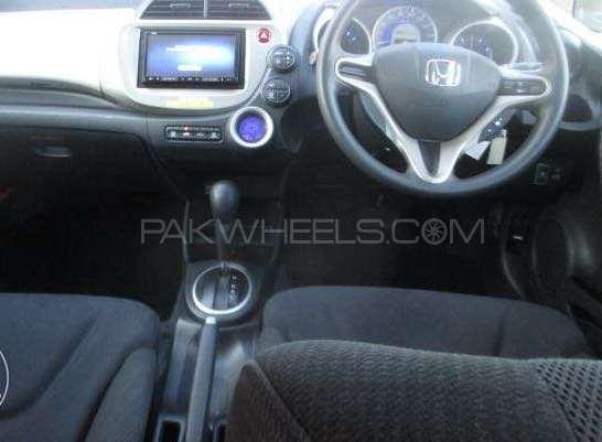 Honda Fit Hybrid F Package 2013 Image-1