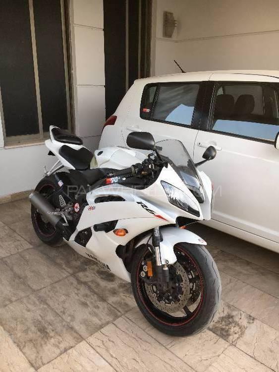 Yamaha YZF-R6 2010 Image-1