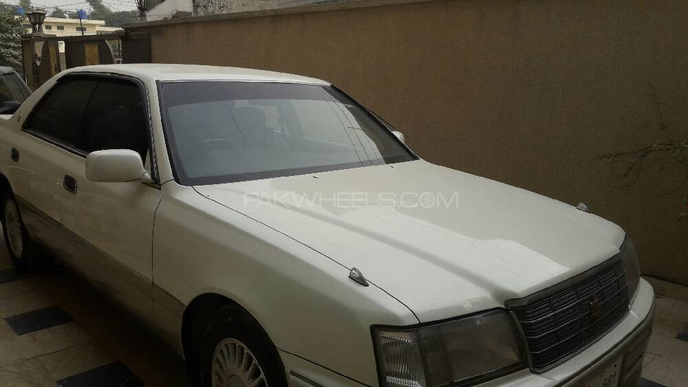 Toyota Crown 1996 Image-1