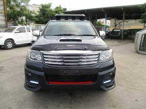Toyota Hilux D-4D Automatic 2011 for Sale in Lahore