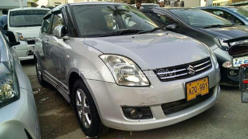 Suzuki Swift DLX Automatic 1.3 2012 Image-1