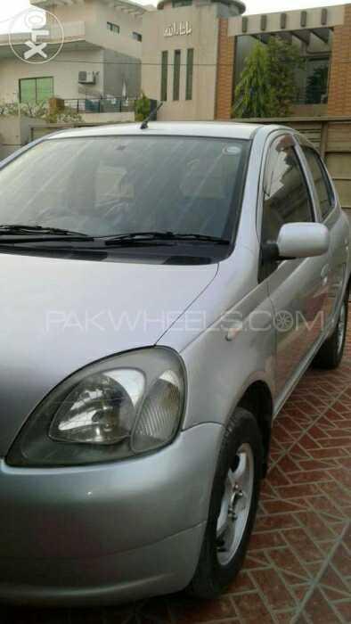 Toyota Vitz FL 1.0 2002 Image-1