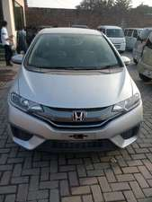 Slide_honda-fit-hybrid-base-grade-1-5-2013-13746477