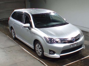 Toyota Corolla Fielder Hybrid 2013 for Sale in Faisalabad