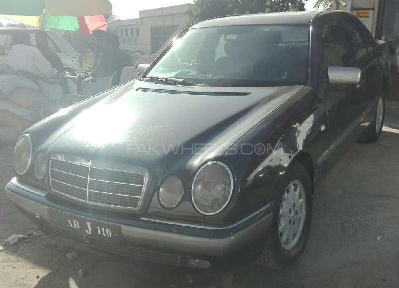 Mercedes Benz E Class E 200 CDI 1996 Image-1