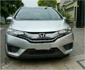 Slide_honda-fit-hybrid-base-grade-1-5-2014-13775134