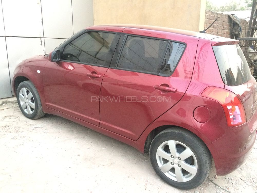 suzuki swift dlx automatic 1 3 2015 for sale in lahore pakwheels. Black Bedroom Furniture Sets. Home Design Ideas