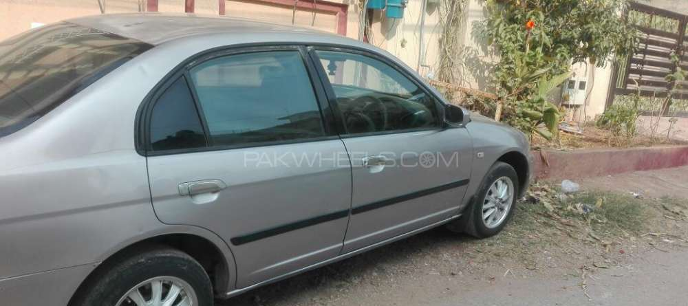 Honda Civic VTi 1.6 2001 Image-1