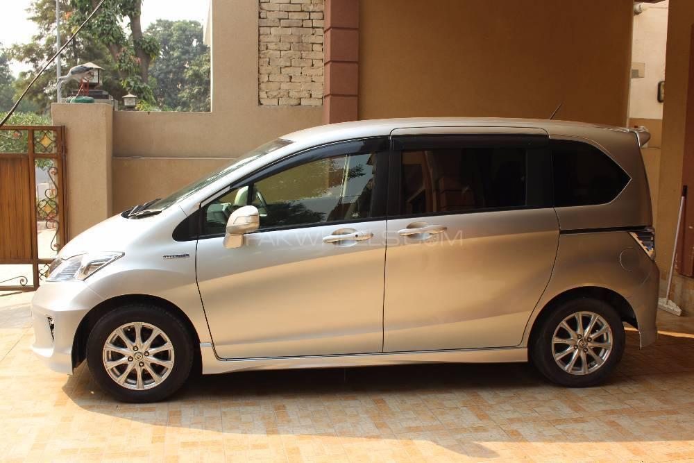 Honda Freed 2013 Image-1