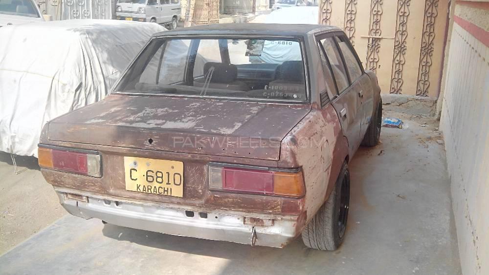 Toyota Corolla DX 1982 Image-1