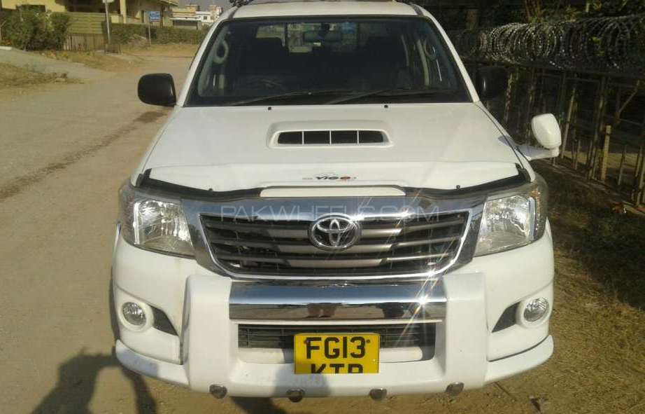 Toyota Hilux 4x4 Single Cab Standard 2013 Image-1