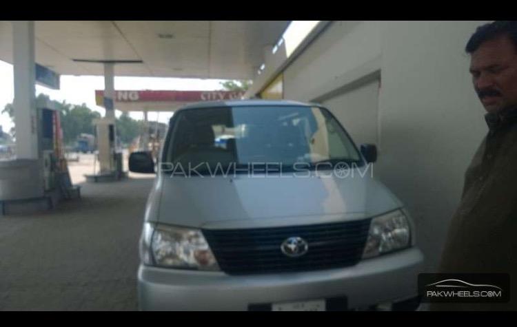 Toyota Van 2007 Image-1