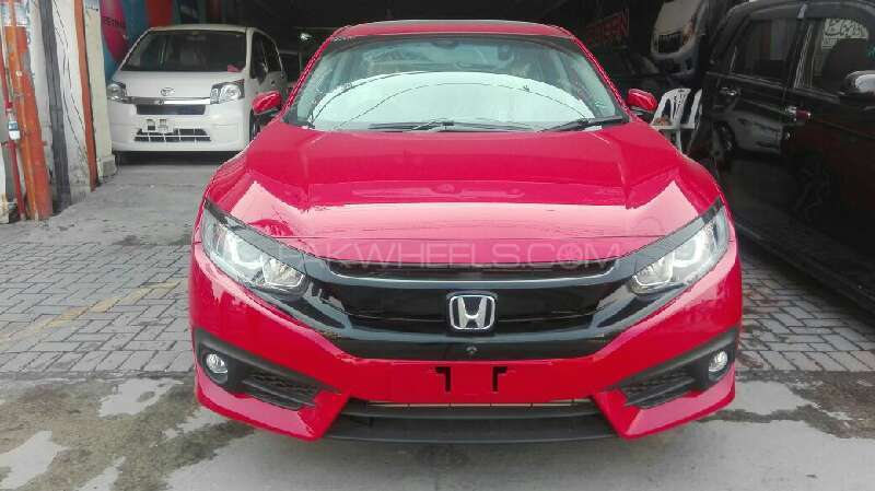Honda Civic Turbo 1.5 VTEC CVT 2016 Image-1