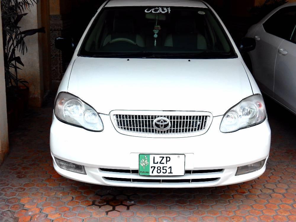 Toyota Corolla SE Saloon 2005 Image-1