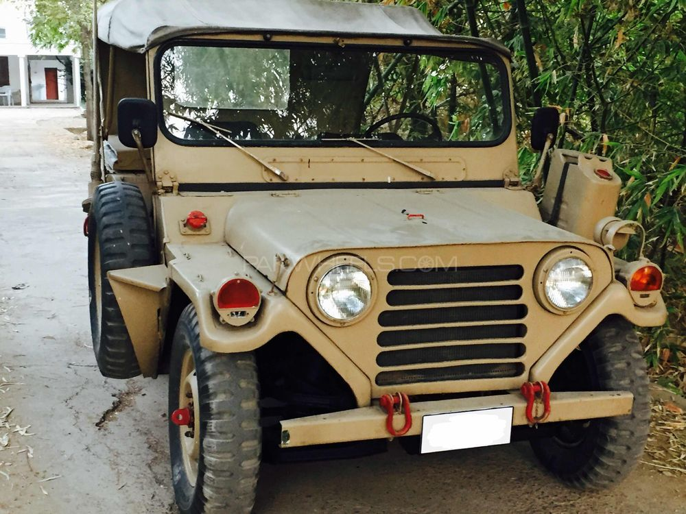 Ford Mutt M 825 1981 Image-1