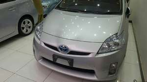Toyota Prius S 1.8 2011 for Sale in Peshawar