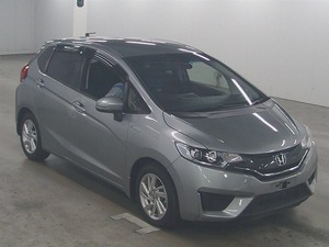Slide_honda-fit-hybrid-l-package-2014-14009123