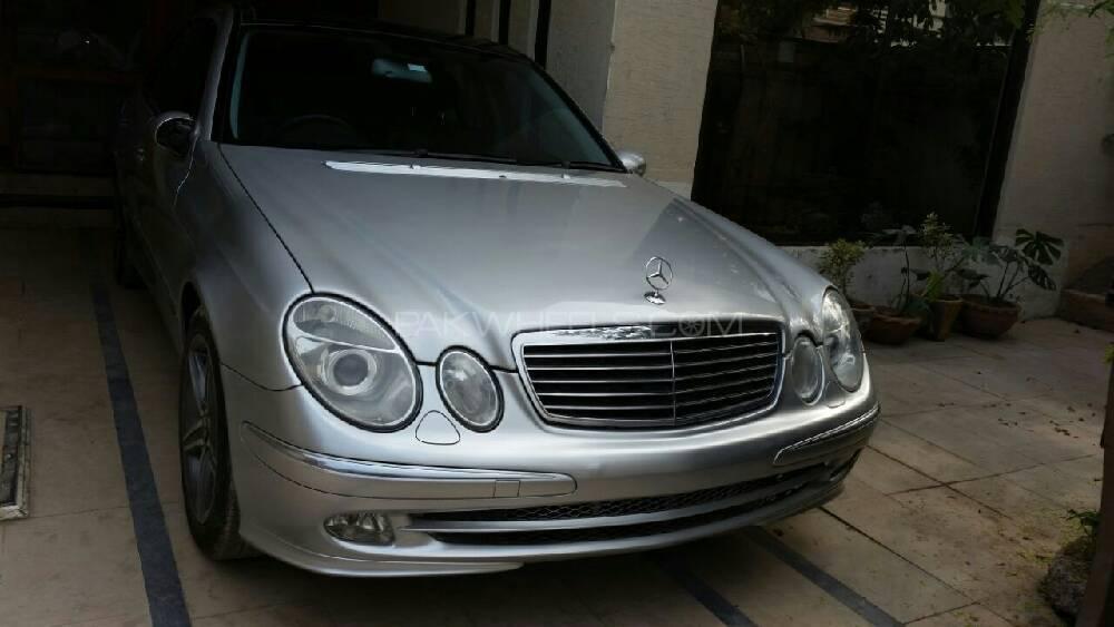 Mercedes Benz E Class E220 CDI 2003 Image-1